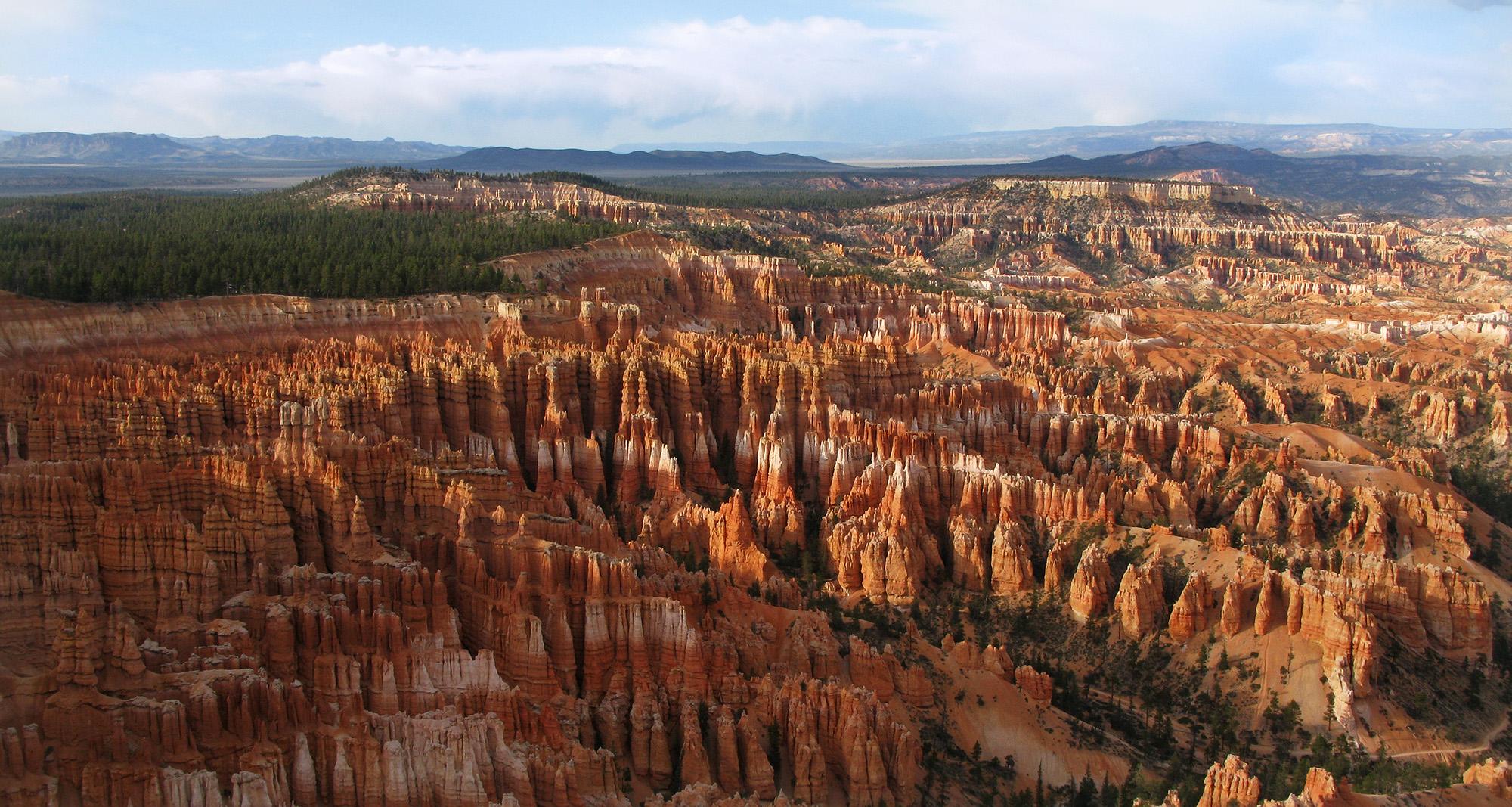 http://beautifulplacestovisit.com/large/canyons/Bryce_Canyon_Utah3.jpg