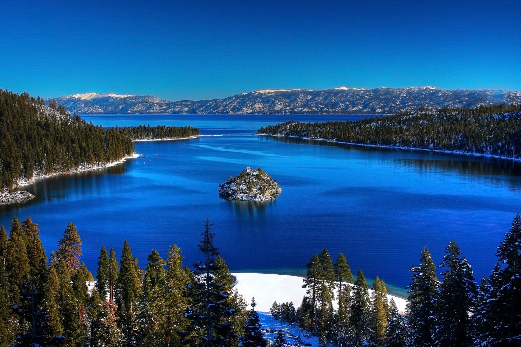Best lake in the united states living largest for Most beautiful places to live in the us