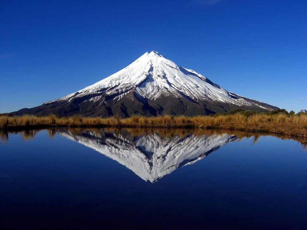 Mount taranaki new zealand beautiful places to visit for Top new images
