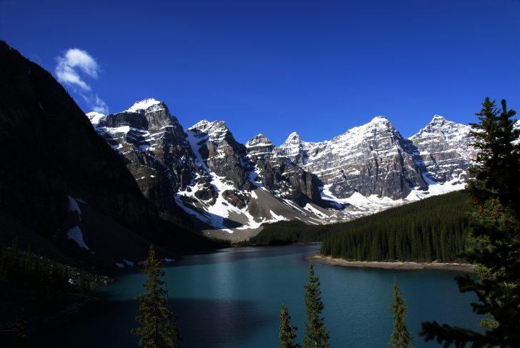 Moriane Lake Banff National Park Alberta Canada Beautiful Places To Visit